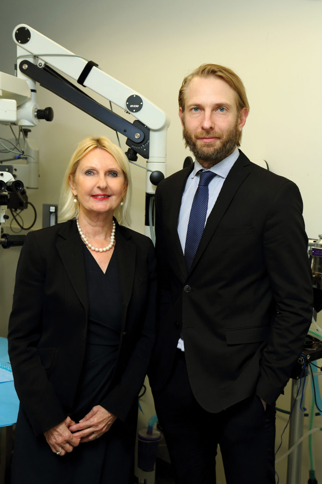 Drs. Maria and Kris Siemionow.